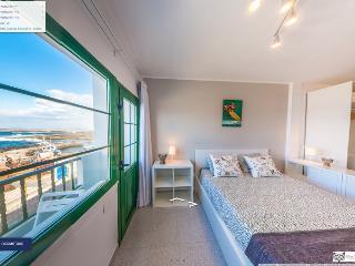 La Santa, edificio de 5 apartamentos vistas al mar