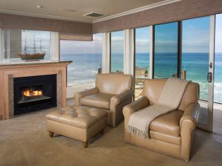 2 bdrm.True Oceanfront, watch waves crash on sand., Laguna Beach