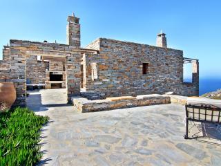 Villa Aeolos in Kea, Koundouros