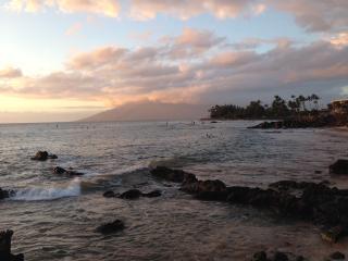 Maui's Gold Coast best beaches, snorkel, sunsets, Kihei