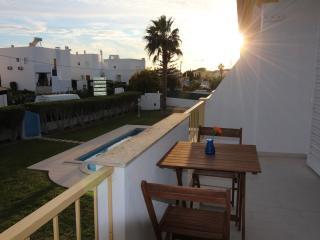 Villa Summertime - Perfect Holiday - Beach 900m, Olhos de Água