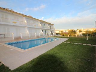 Villa Summertime - Perfect Holiday - Beach 900m, Olhos de Agua