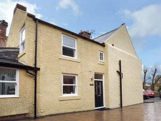 HILLGATE COTTAGE en-suites, luxury accommodation, woodburner, pet-friendly in Morpeth Ref 935091