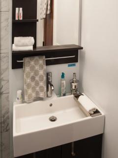 Suite III Bathroom