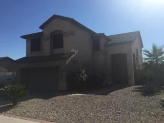 large 2 story 3 bedroom home 12 min south of strip