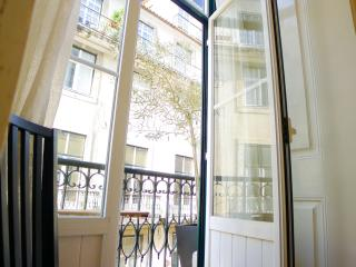 CR3- Charm & comfort- AC, lift, Balcony, Elevator, City center, Lisbon