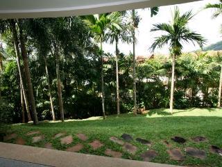 Garden View Apartment, Karon