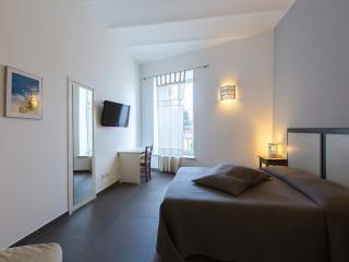 """De Monti Colosseo"" apartment, Rome"