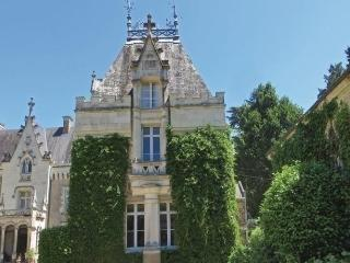 Chateau des Rueseee, Chenille-Change