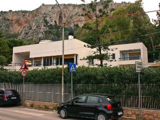 Villa Trinacria 30 meters from the sea