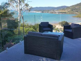 Luxury  seaside seaview home with pool, Cannonvale