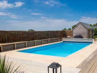 Hawk House with outdoor heated swimming pool, Salcombe