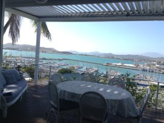 RENT FOR 5 MONTHS , HOUSE, 2 BEDROOMS SEA VIEW, Noumea