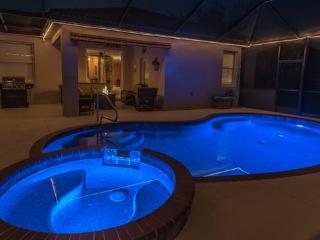 3 beds, 2 baths, pool &spa at Stoneybrook Venice