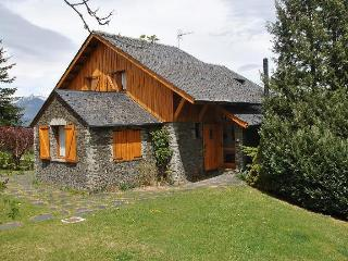 Casa unifamiliar con jardin y vistas fantasticas
