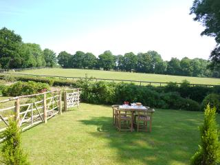 Country retreat, fabulous cottage,beautiful garden, Frant