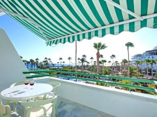 1-bed apartment on the 1st line of El Duque beach