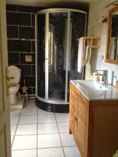 La salle de bain- Gîte 'le refuge des fées'- Cœur Ardéche