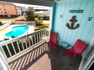 Newly Renovated North End Condo Steps from Beach!!, Carolina Beach