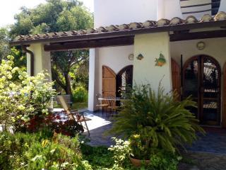 Villa con giardino, Capitana