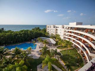 Luxury condo @ Aakbal Beach & Golf, Campeche