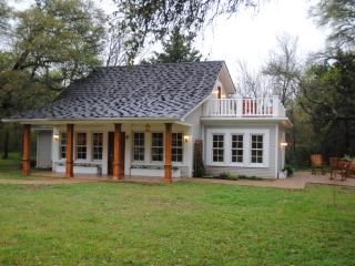 The Cottage at Tell Story Walk, Waco