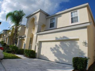 Dream Villa - 7 bedroom/4 bath with private pool, Kissimmee