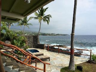 Oceanfront Maluhia Hale- Luxury on the Water!, Kailua-Kona
