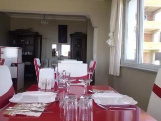 LARA   KONUK EVİ     trples  villa
