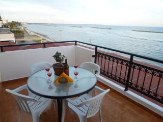 Sea View 2 bedroom Apartment, Free Wifi, Oroklini