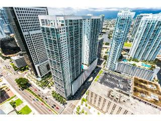 ICON AT DOWNTOWN BRICKELL