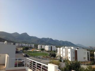 Sea & Mountainview Penthouse with Rooftop Terrace, Tatlisu