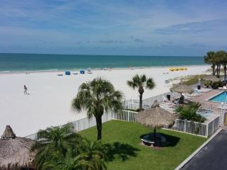 2 BDRM @ Seabreeze Condominiums, Madeira Beach
