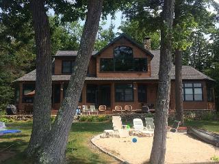 Gorgeous & Expansive Winnipesaukee Lakefront Home!, Moultonborough