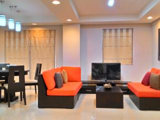2 Bedroom Condo unit available - with pool and gym