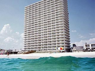 No Service Fee! Oceanfront Master BR with K&Q Beds! Great Spring Summer Deals!