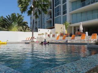Oceanfront 2BR / 2bath Condo 1st Fl Pool  gated, San Carlos