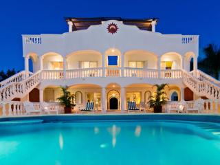 Beachfront 7 Bedroom/8 bathroom villa, Cozumel