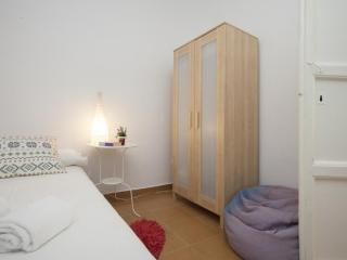 Nice, Modern and Affordable Rooms, Valencia