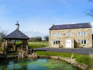 SOMERWOOD, luxury house, woodburner, en-suites, cinema, snooker table, hot tub, Ribchester