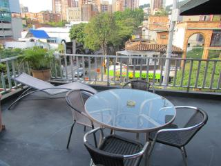 Parque Lleras Ground Zero Apartment 2 Bedroom PH, Medellín