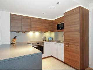 Brand New Luxury Chelsea apartment with Parking, Londen