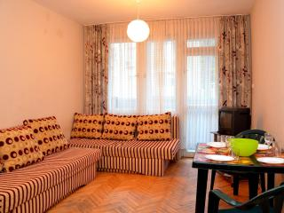 Apartment 15min walking to the city center, Varna