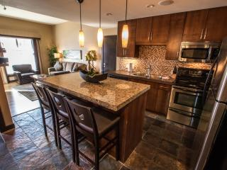 Canmore Silver Creek Chic 2 Bedroom Condo