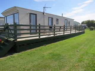 Broadland Sands 20270 - 6 berth with decking area, Corton