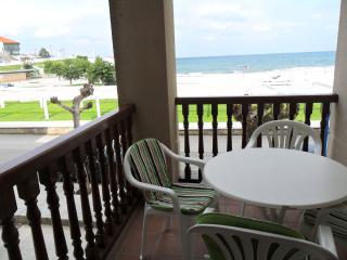Apartamento a pie de playa ( comodo y economico), Comillas