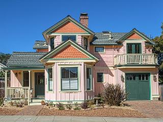 3715 - Bliss by the Sea**30% Off for June! Walk to Downtown, Beach & Aquarium, Pacific Grove