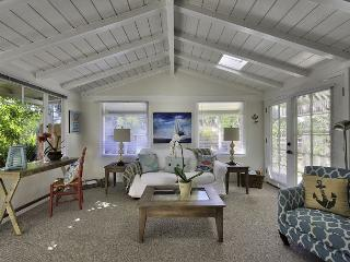 3458 Tranquility Cottage ~ Close to Aquarium, Seaside Walking, Biking Trail, Pacific Grove