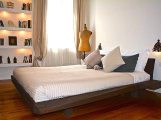2 Bed Flat with Spa near St. Peter, serviced by Hostmaker, Roma