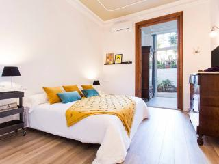 Maison boutique 1. Luxury in Gracia, serviced by Hostmaker, Barcelona